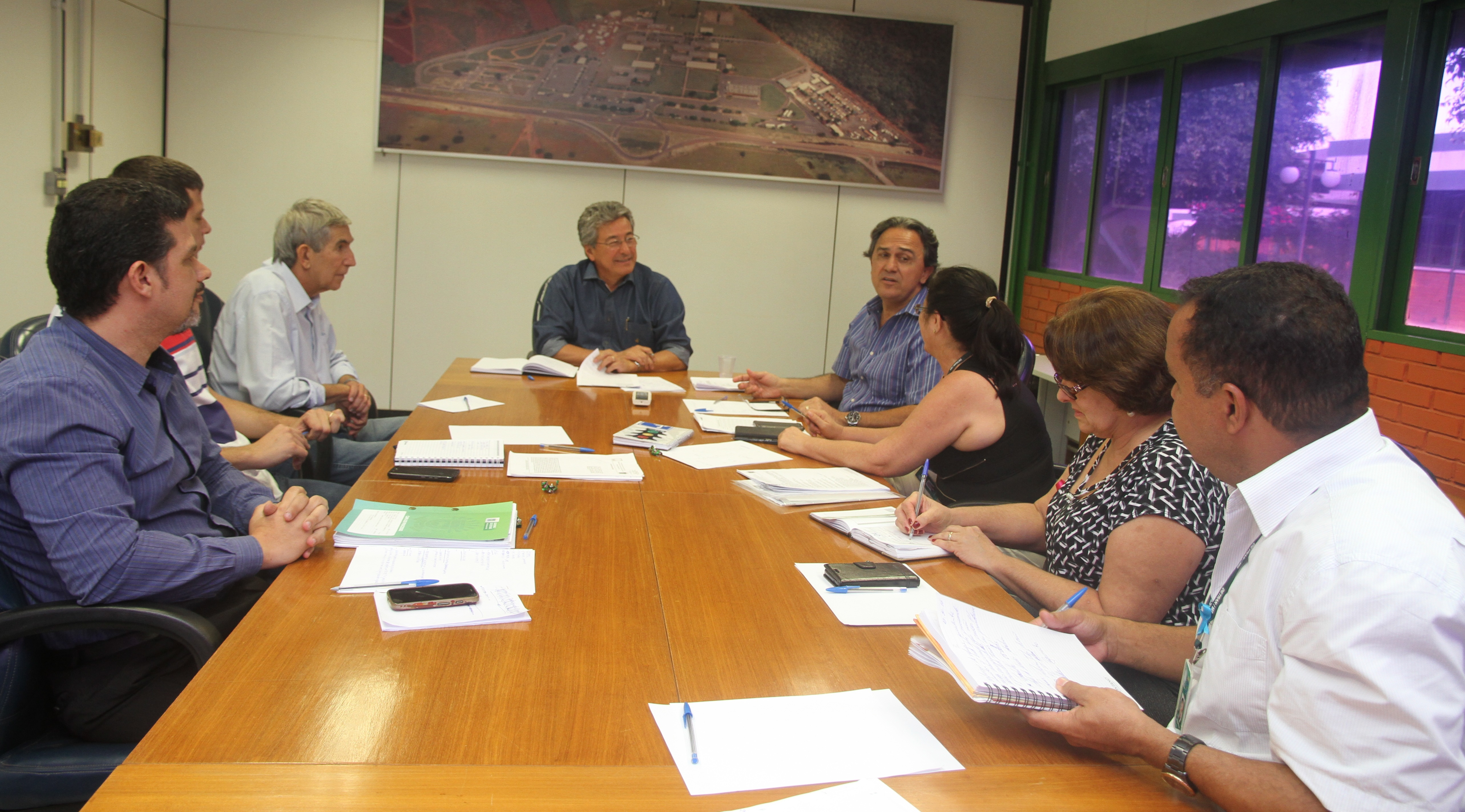 Diretor-presidente realiza reunião técnica com diretores