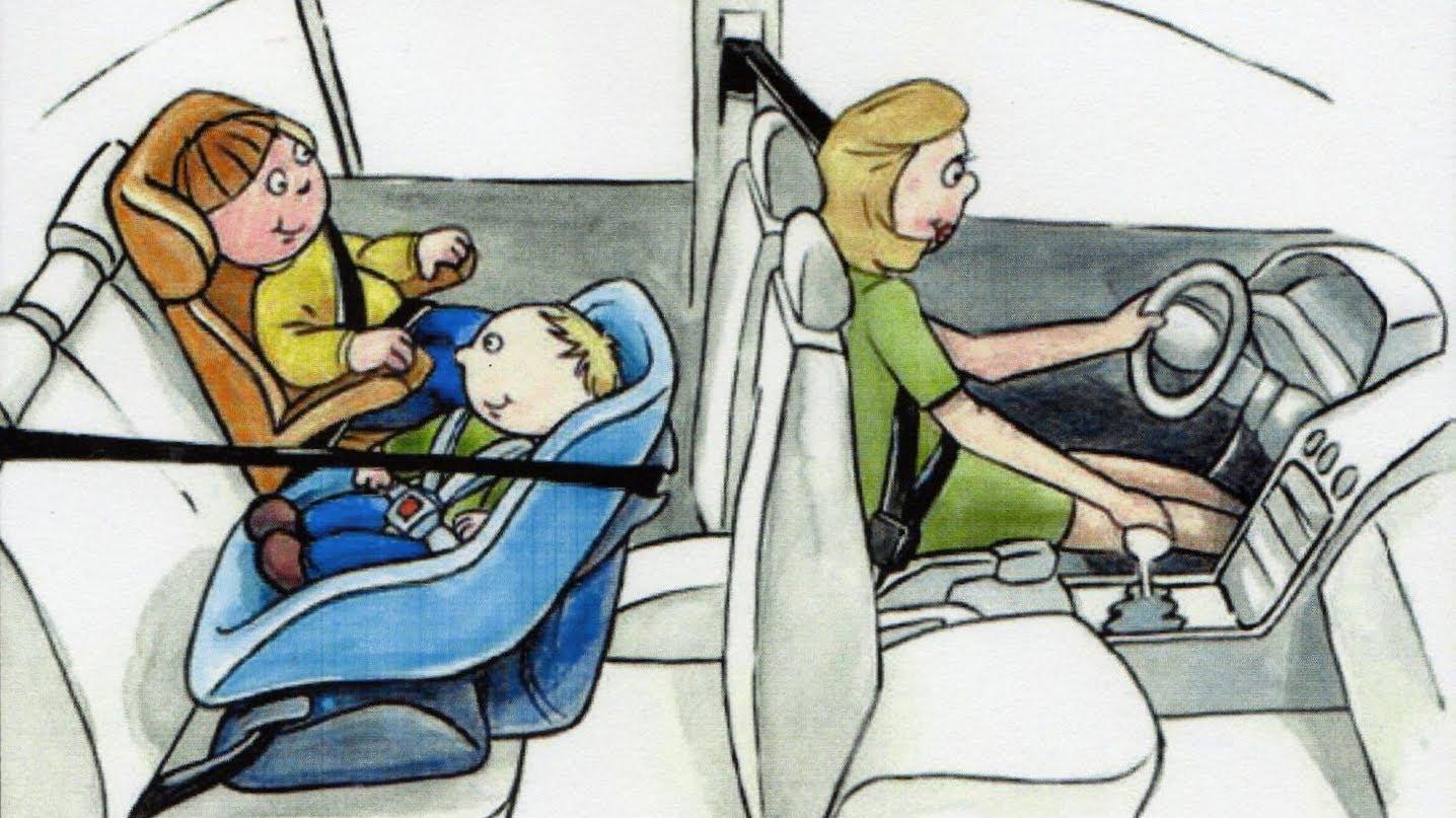 Vai viajar com a família? Tire as dúvidas sobre o uso da cadeirinha